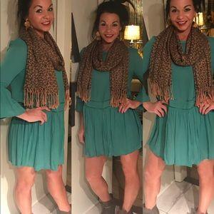 Dresses & Skirts - Women's Teal Dress 👗 ✨💕